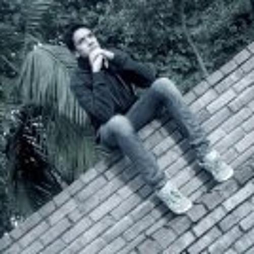Lucas Topo's avatar