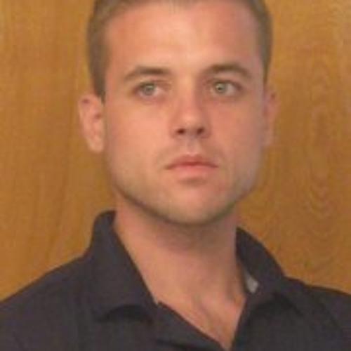 Benjamin Gavares's avatar