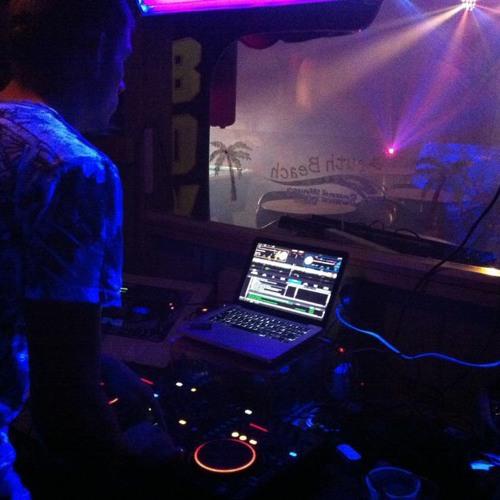 DJ Vaudrin's avatar
