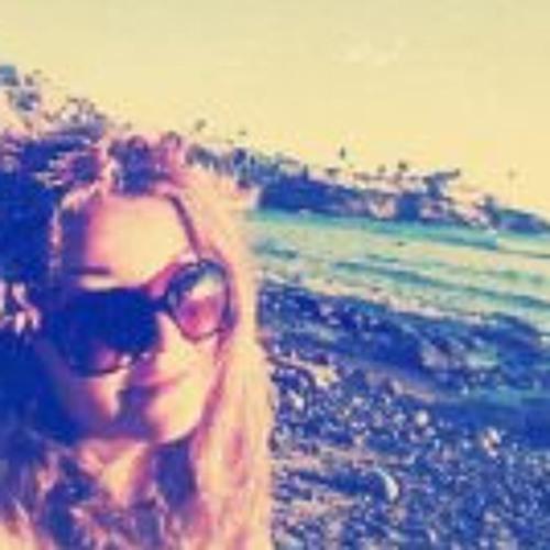 Hannah Booth's avatar