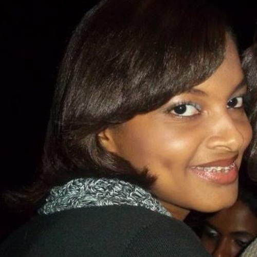 Thayara Ferreira's avatar