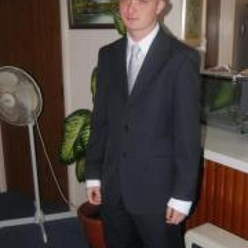 Jun Esen's avatar