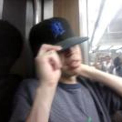 Raul DeLeon's avatar