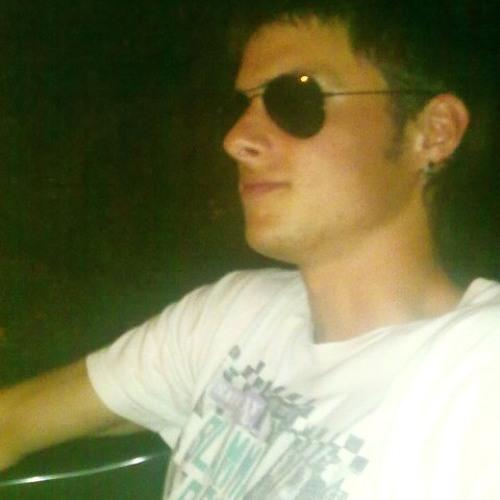Roberto Benito's avatar