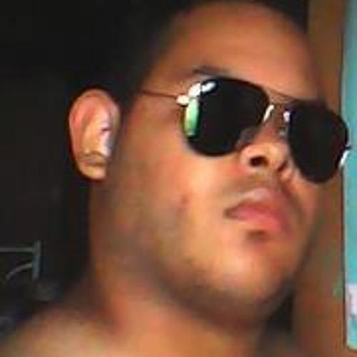 Herik Marcelo's avatar