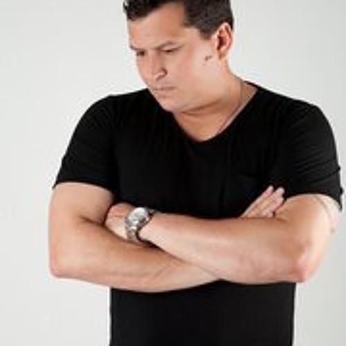 Claudio Cruz Costa Neto's avatar