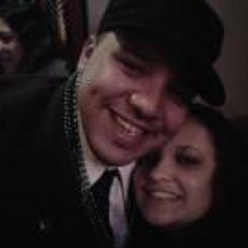 Carlos Pernett's avatar