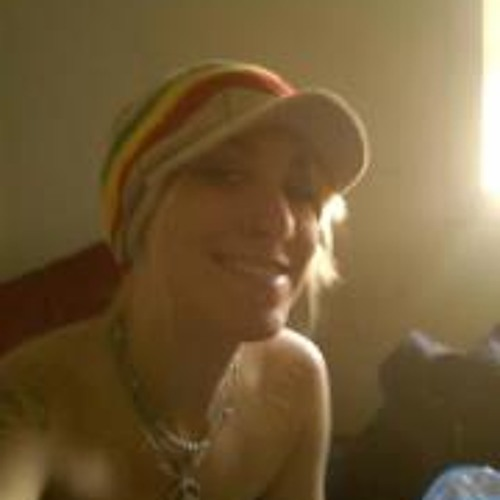 Annie Neal's avatar