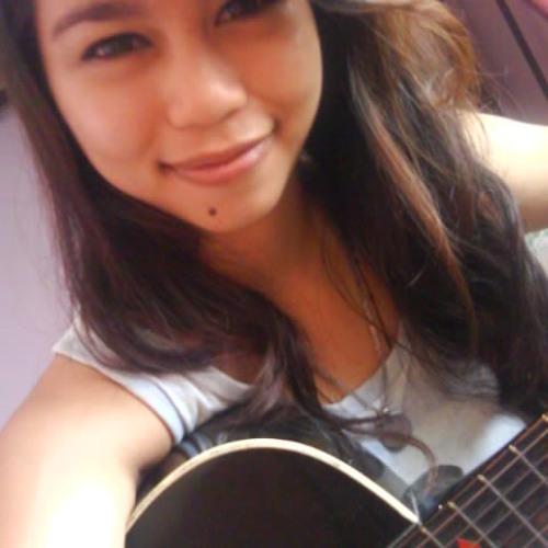 Carlyn M Ogabang's avatar