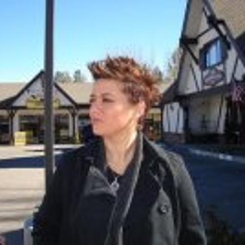 Cassie Victoria Pena's avatar