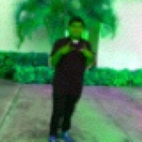 INThEMOMENT's avatar