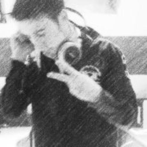 Dustin Klein's avatar