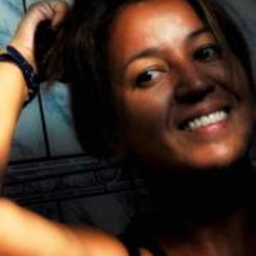 Claudia Araujo 1's avatar