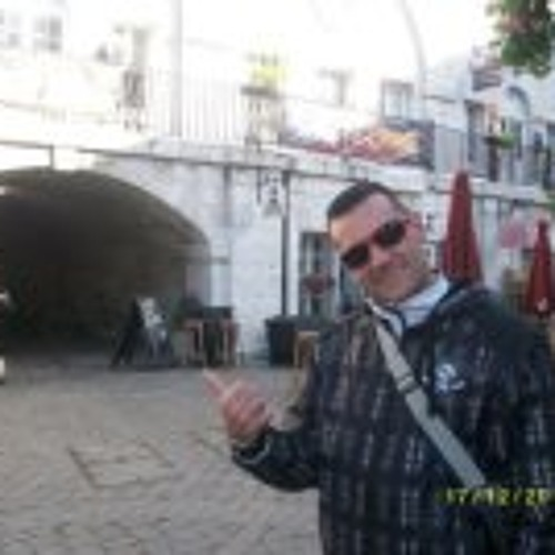 Jose Garcia 90's avatar