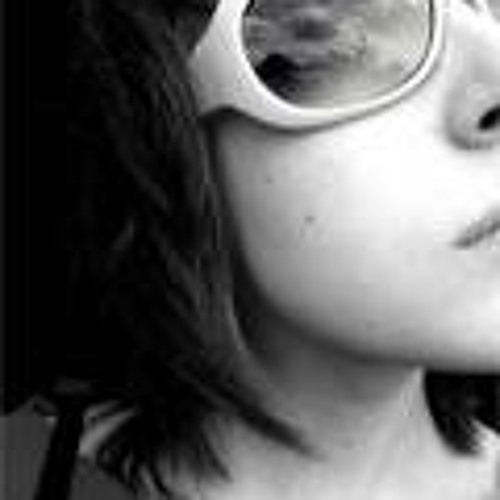 Clara Bell's avatar