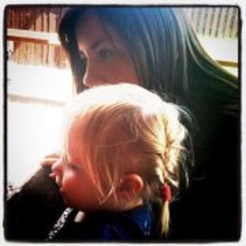 Lizzie Hoyle's avatar