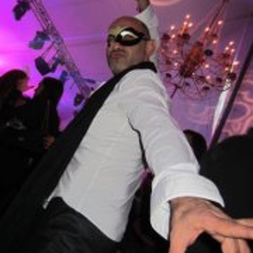 Michael Artone's avatar