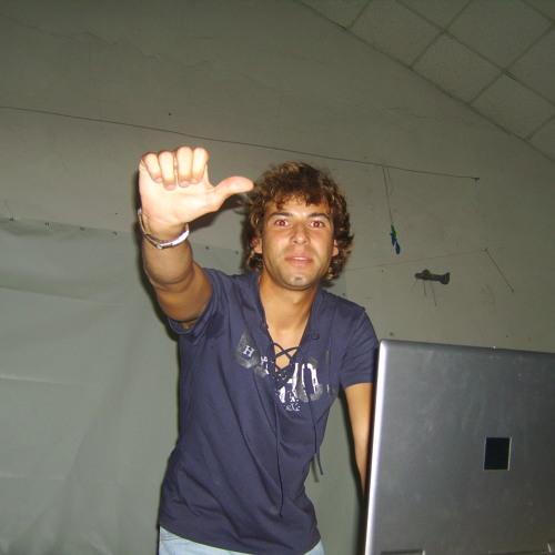 Dj Daniel Apolinario's avatar