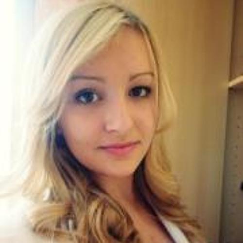Monika Epet's avatar