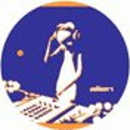 Tom Alien Nagata's avatar