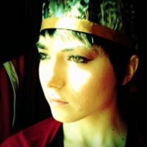 Julia Tanguy's avatar