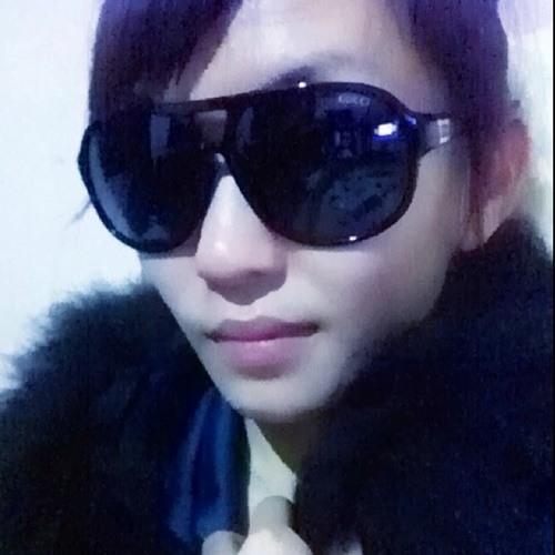Cli Nicole Chan's avatar