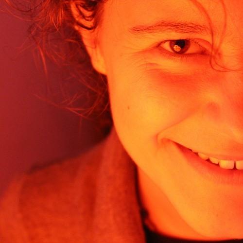 Andrea Vertessen's avatar
