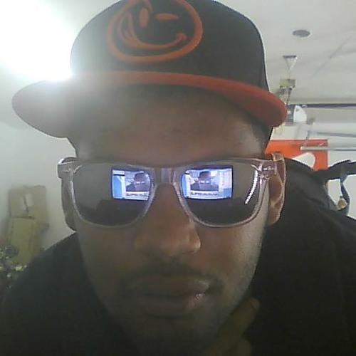 J-Tr3y's avatar