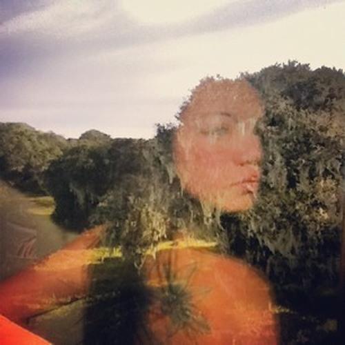 Alyssa Lilia's avatar