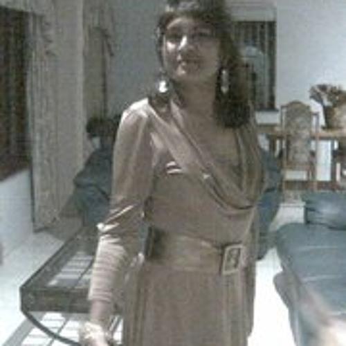 Clara Olive's avatar