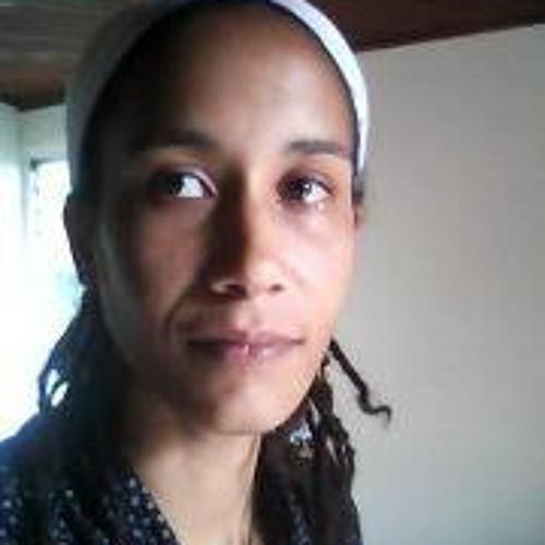 Icess Azania's avatar