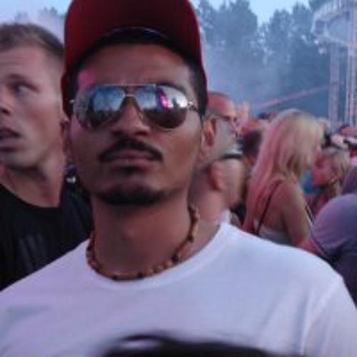 Angelo J Martina's avatar