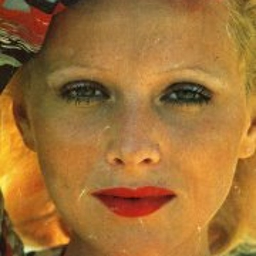 April Avril's avatar