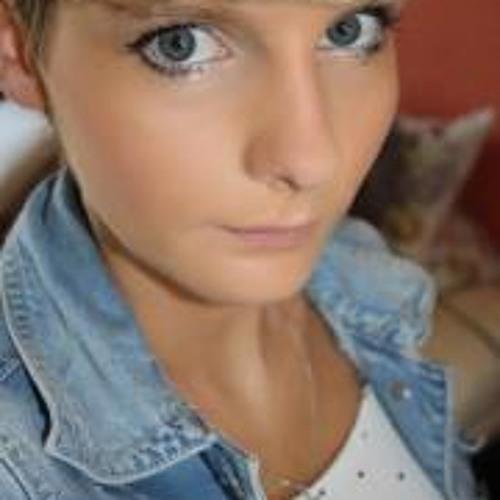 Julia Borowski's avatar