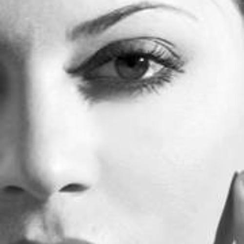 Angela Lima's avatar