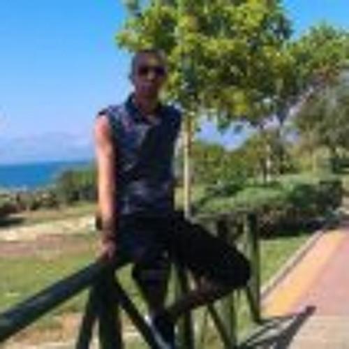 Zino Bouchelarem's avatar