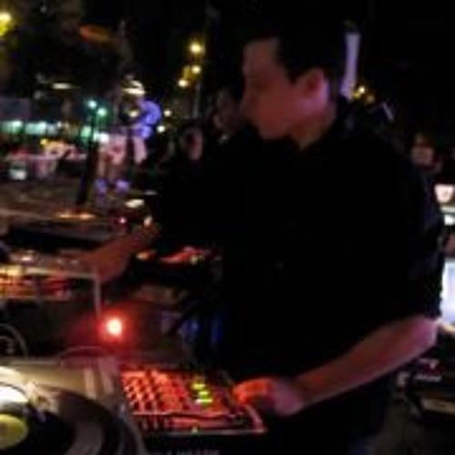 DJ TAHL's avatar