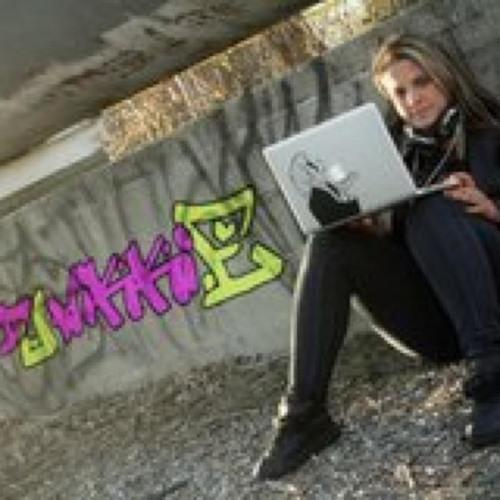 DJ Nikki E.'s avatar
