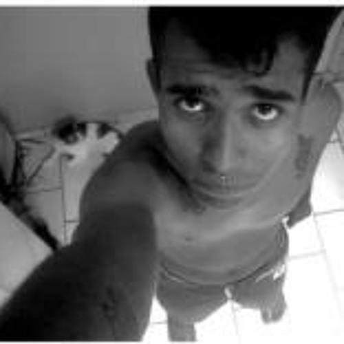 Rodrigo Vello's avatar