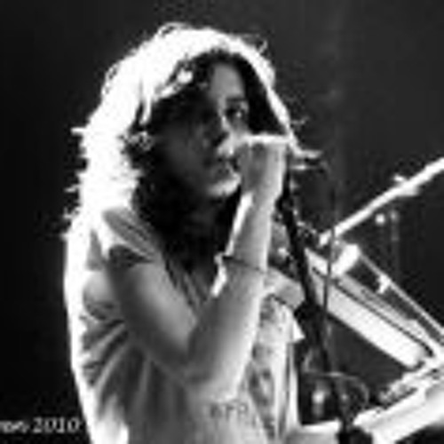 Nancy Mounir's avatar