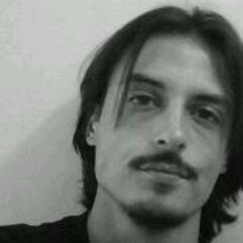 Carlos Eduardo 71's avatar