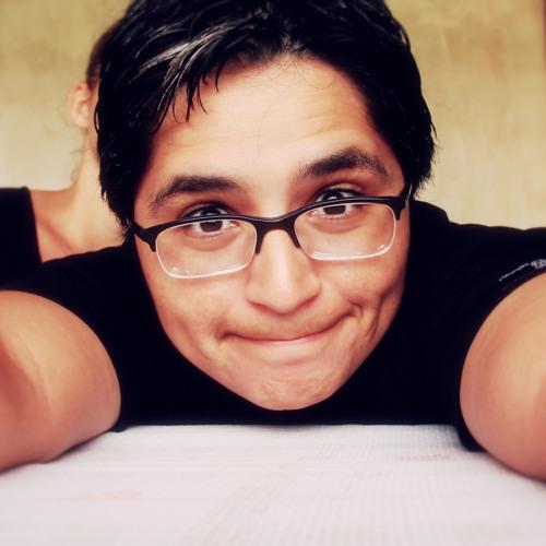 Alice Almeida's avatar