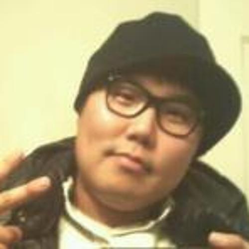 Sung Cho's avatar