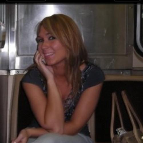 Ana ELizabeth's avatar