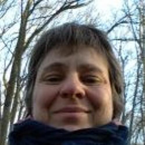 Francoise Danielo's avatar