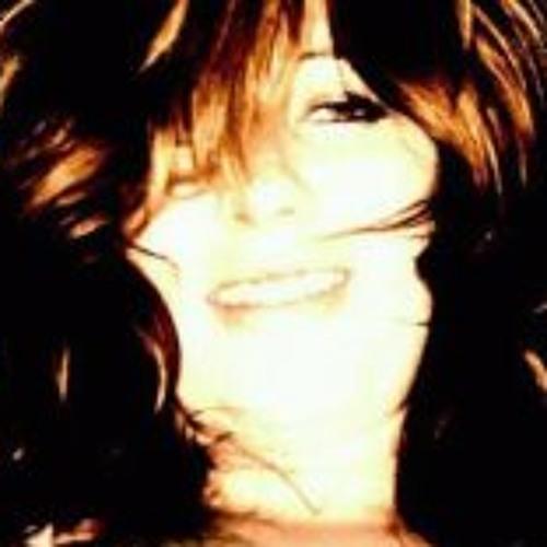 Renee Wade's avatar