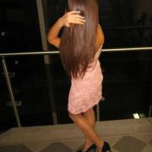 Laura San 1's avatar