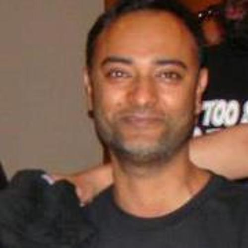 Niyaaz Alikhan's avatar