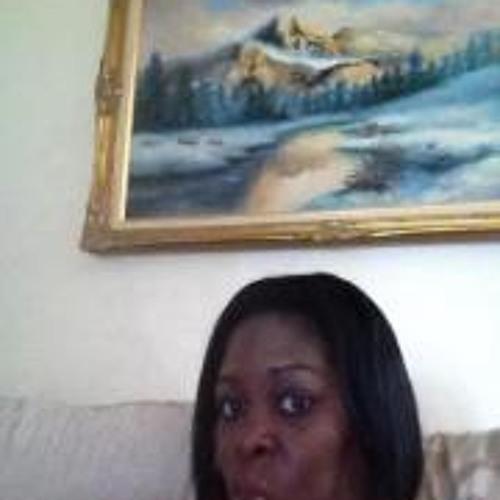 Nadia Stewart's avatar
