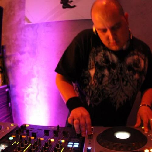Eric Martinez DJ's avatar